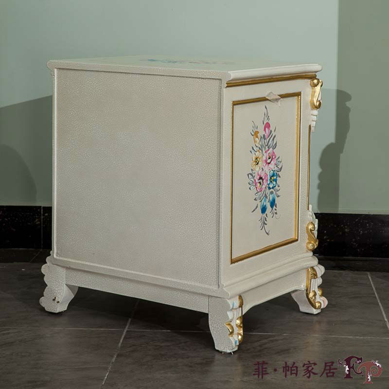 Riproduzione antichi mobili francesi di lusso mobili for Mobili antichi francesi