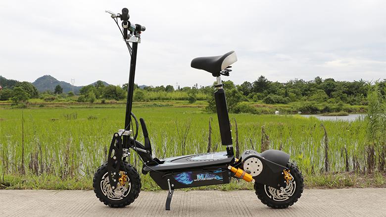 Горячая продажа складной 60 в 2000 Вт E скутер с литиевой батареей и 11 ''внедорожных шин