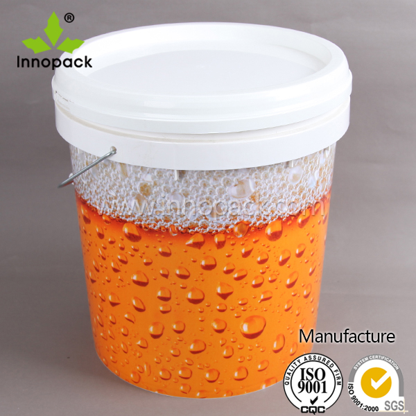 size plastic bucket for paint 15L plastic barrel with metal handle