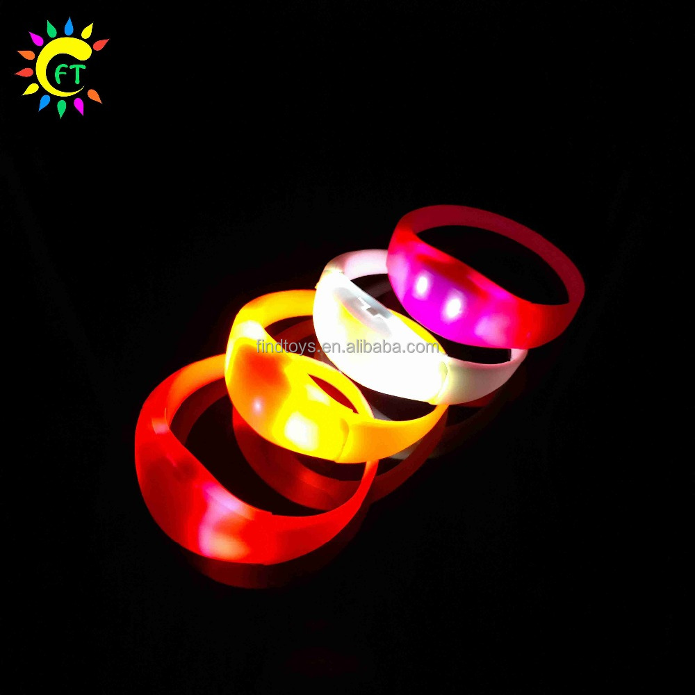 Promotion Funny Voice Activated LED Flashing Bracelet Bangle for Party Favors