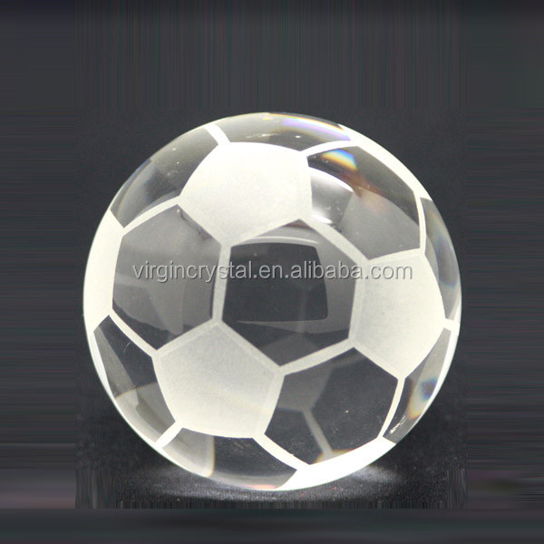 Cheap Clear Crystal K9 Material Football model Paperweight Crystal Soccer Paperweight For Small Gift