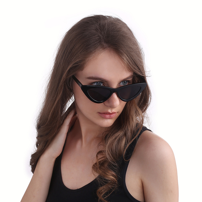 Custom newest small frame luxury triangle sunglasses women cat eye