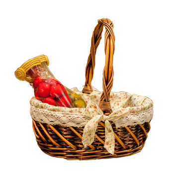KINGWILLOW, Wicker Material and Eco-Friendly Feature gift basket with liner