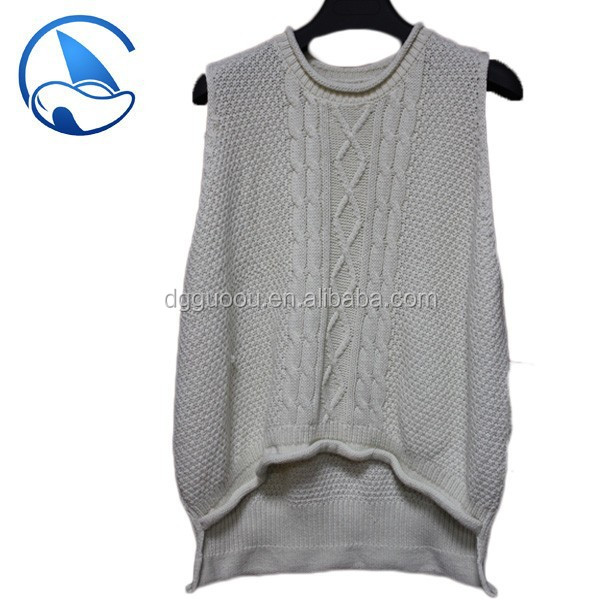 Sleeveless pullover lady sweater