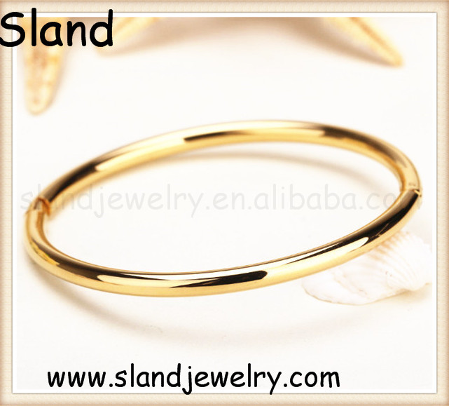 guangzhou wholesale market locking stainless steel bracelet in gold/rose gold fashion jewelry