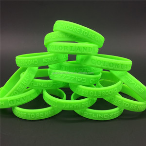 customized silicon wristband debossed logo rubber bracelet festival silicone wristband