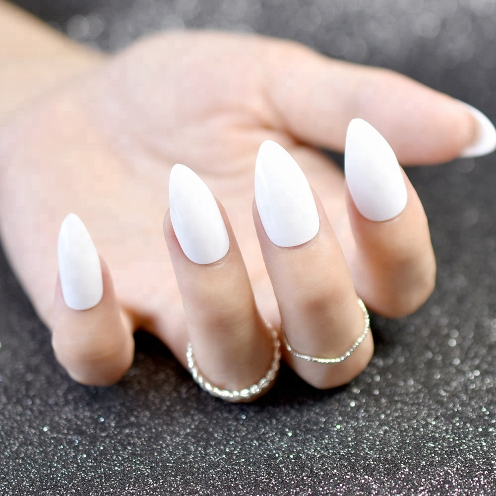 24pcs/kit Stiletto Shiny Fake Nails White Pointed Fake Nails Easily Decorate Your Fingers Candy White Surface 15P фото
