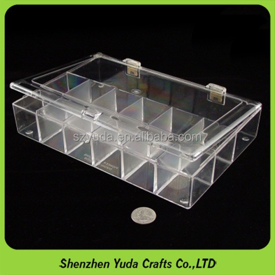 Tabletop style transparent hinged plastic container with snap closure
