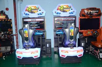 Coin Operated Video Maximum Tune Overdrive Car Racing Game Machine Cruisin Blast