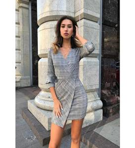 Speed sell pass hot style ladies in Europe and the irregular plaid dress v-neck half sleeve dress in the streets