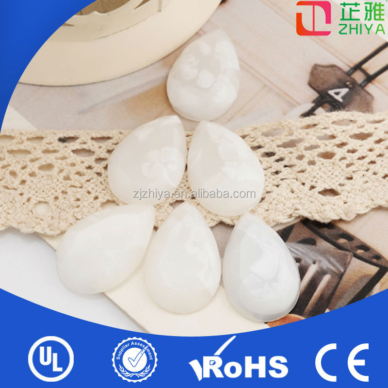 Bulk loose smooth surface various shape resin stones