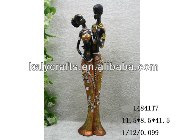 2013 new decorated couple polyresin african figurines