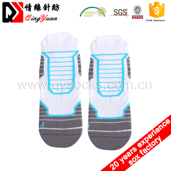 Wholesale men's medical compression basketball sport socks with custom logo athletic cycling