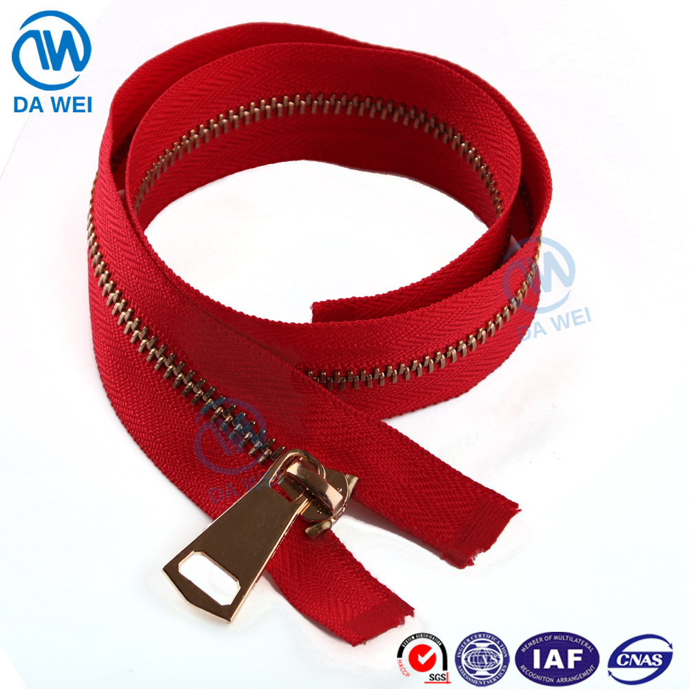 DW wholesale custom high quality eco-friendly lead/nickel free No.5 hot selling brass materail plated gold teeth metal zipper