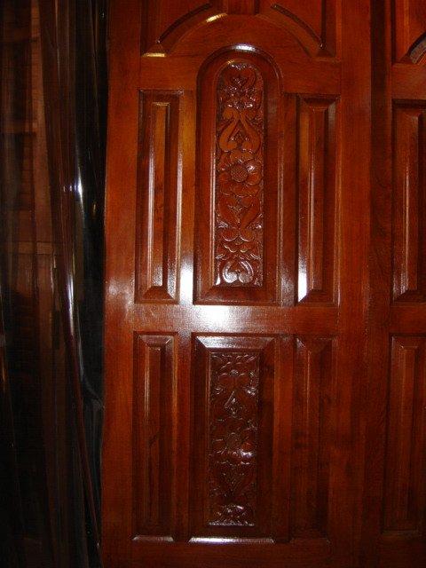 Jatoba puertas talladas a mano y otros modelos puertas for Precio de puertas levadizas en lima peru