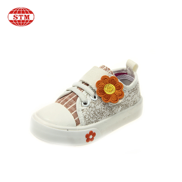 High quatity wholesale custom logo children fashios girls sport canvas shoes