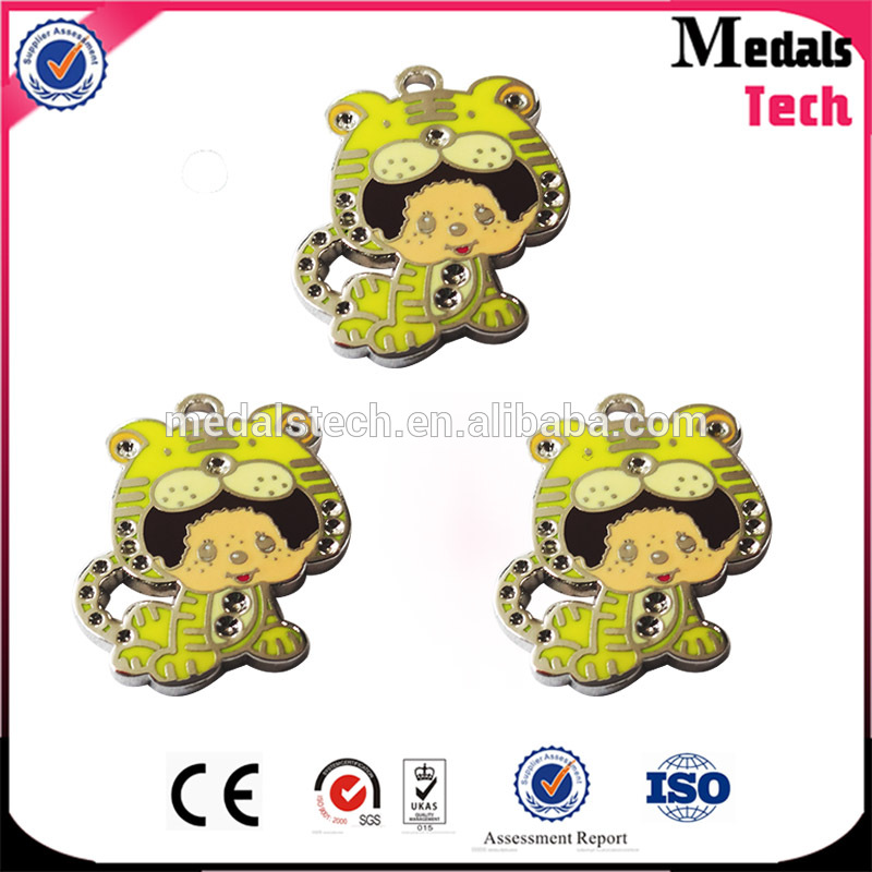 2016 New cheap custom made metal hard enamel tiger animal pendant