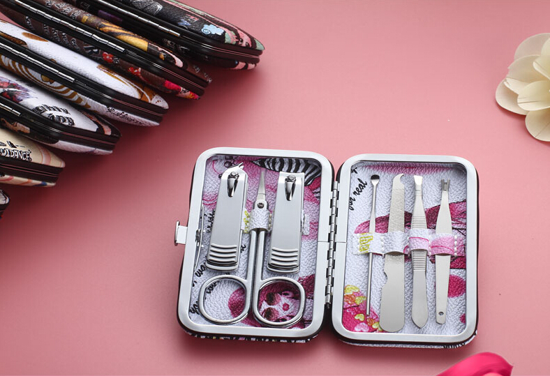 Beautiful and colorful manicure pedicure set wholesale for nail spa shop used