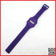 Hot sell silicone rubber wristbands watch with Lower Price