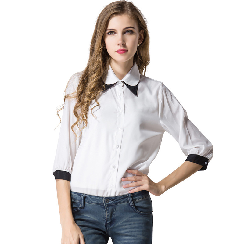 A conservative skirt and blouse or sweater and a simple, informal dress are appropriate attire for women in a business casual work environment. Women will often wear pants and a shirt or sweater to fit well in a business casual workplace.