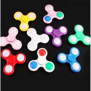 LED Light Flashing Plastic Hand Spinner Relieving Stress Fidget Toys Spinner