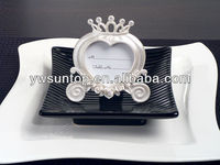 Heart Shaped Pearl White Wedding Coach Place name Card Frame