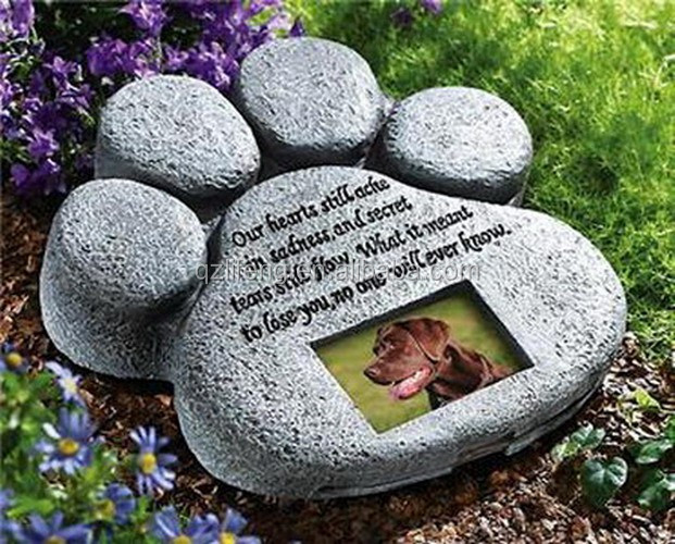 Dog Pet Paw Print Memorial Stone for Outdoor Garden Lawn