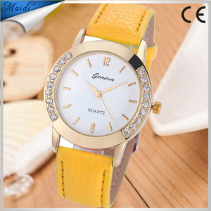 China Cheaper Women's Fashion Geneva Brand Bling Crystal Leather Analog Quartz Wrist Watch Factory Price GW020