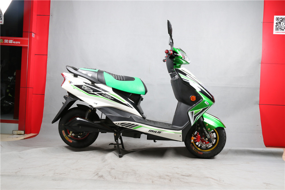 800/1000/1200W 60/72V powerful Geared motor electric motorcycles/adult 2 wheel electric scooter bike with pedals