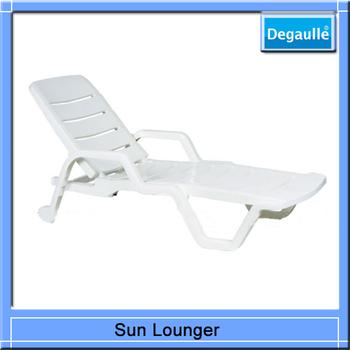 2014 Hot Sale Lounge Chair Plastic Sun Bed Beach Chair