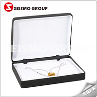 small plastic jewelry box for necklace