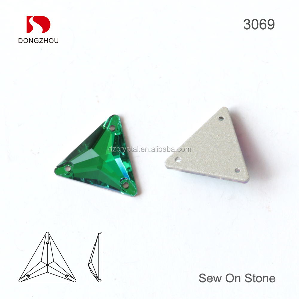 China Manufacture Triangle Flat Back Beads Green Crystal Embellishments Sew On Crystal For Bridal Gown