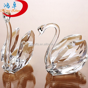 Newest popular different styles and colours crystal swan memento wedding gift