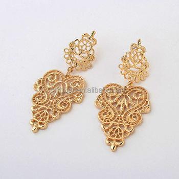 Vintage Hollow Out Leaf Fancy Design Gold Earring