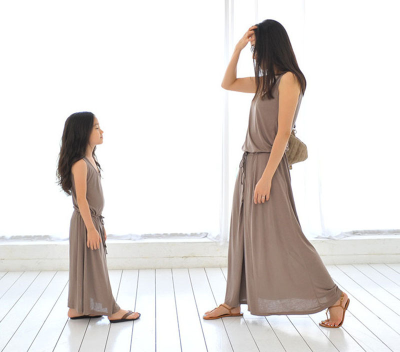 Family fitted summer mother daughter dresses style 2015 new fashion long section high quality cotton knit solid color dress suit