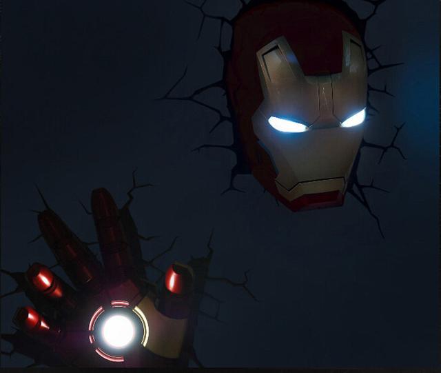 avengers masque d 39 iron man 3d lumineux mural lansay 10151. Black Bedroom Furniture Sets. Home Design Ideas