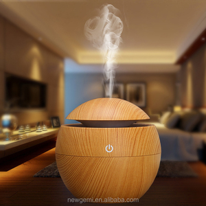Manufacture OEM Mini Electric Aroma Essential Oil Diffuser Wood Grain Ultrasonic Nebulizer Portable Cool Mist Humidifier