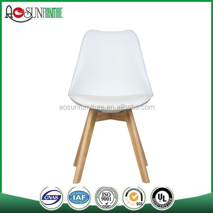 Modern Appearance and Dining Chair Specific Use Dining Chair Fabric Chair Wooden legs
