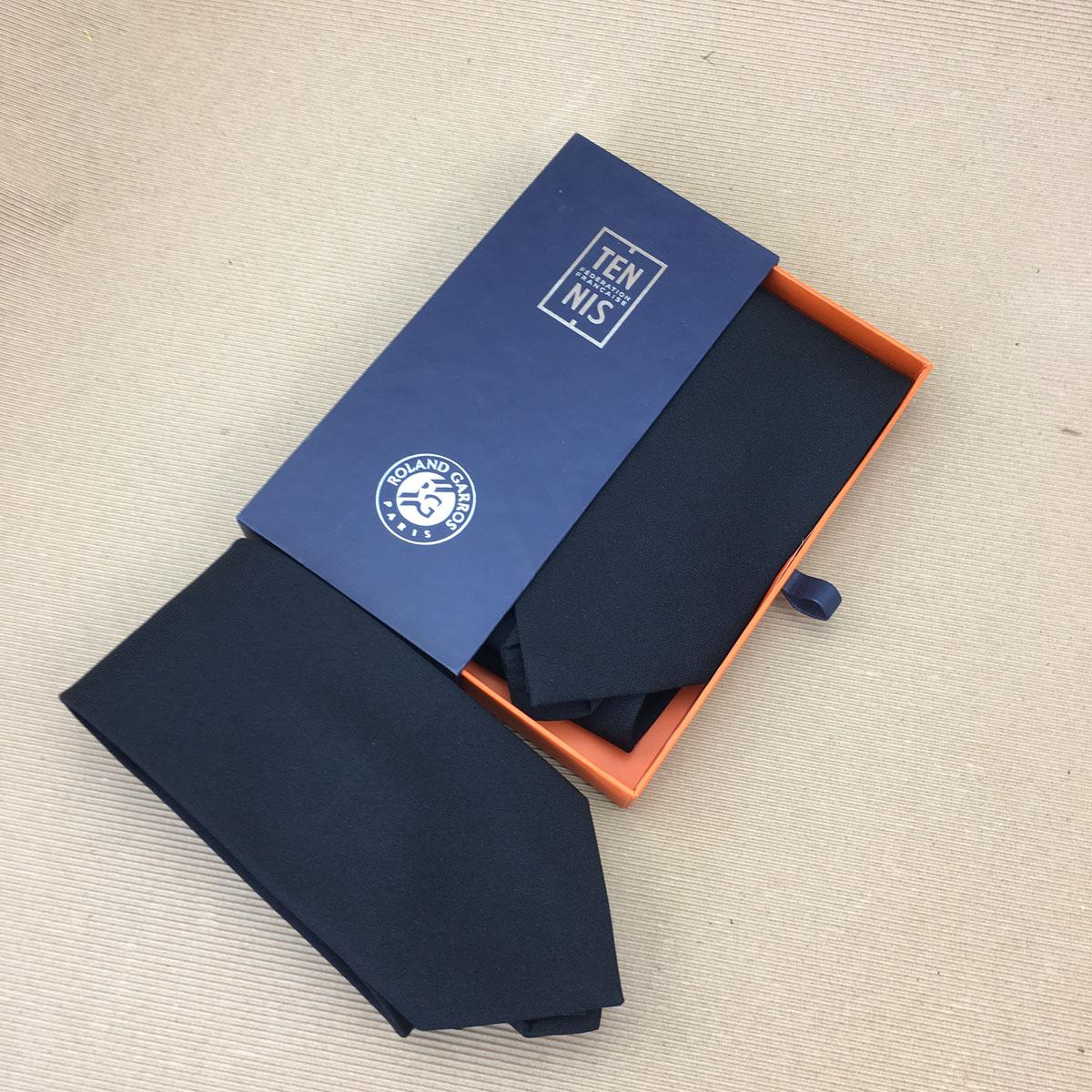 packaging for ties-5.jpg