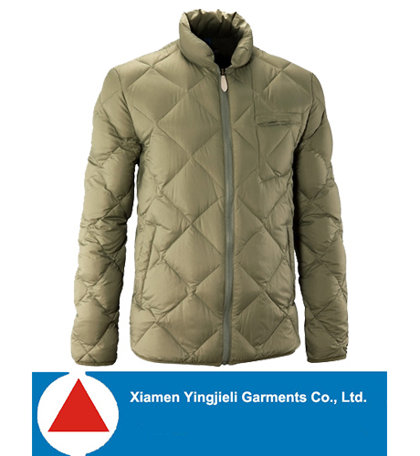 2014 Classic Diamond Quilted Mens Down Jacket For Winters