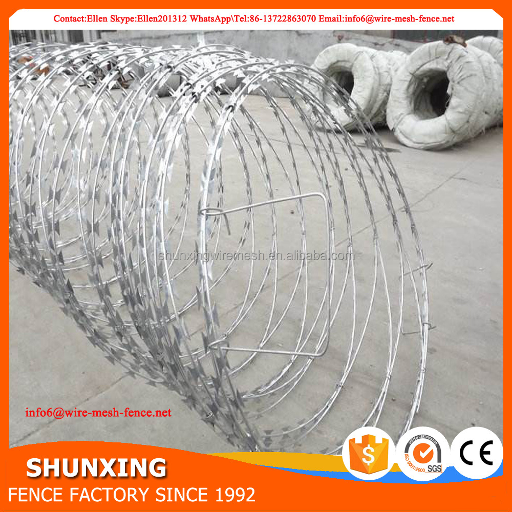 Galvanized Concertina Razor Barbed Wire With Clips, Galvanized ...