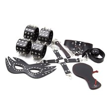 Heißer Metall Rivet Studded Feder Hottie <span class=keywords><strong>Sexy</strong></span> Kit Restraint Bondage 7 teile/satz Für Paare