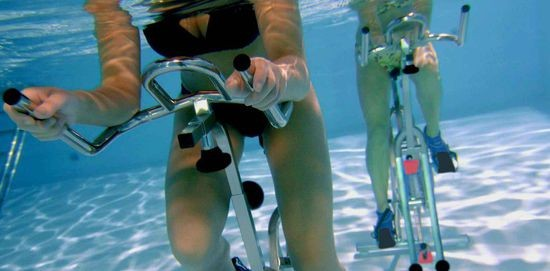 YUTONG Aqua Water Exercise Tricycle Bike For Swimming Pool Guangzhou