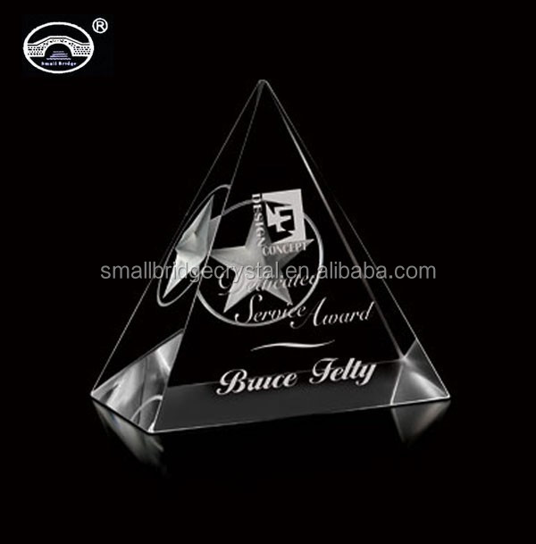 Pyramid shaped wholesale 3d laser crystal paperweight