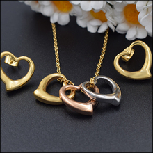 The United States selling love pendant jewelry heart pendant earrings fashion women jewelry set