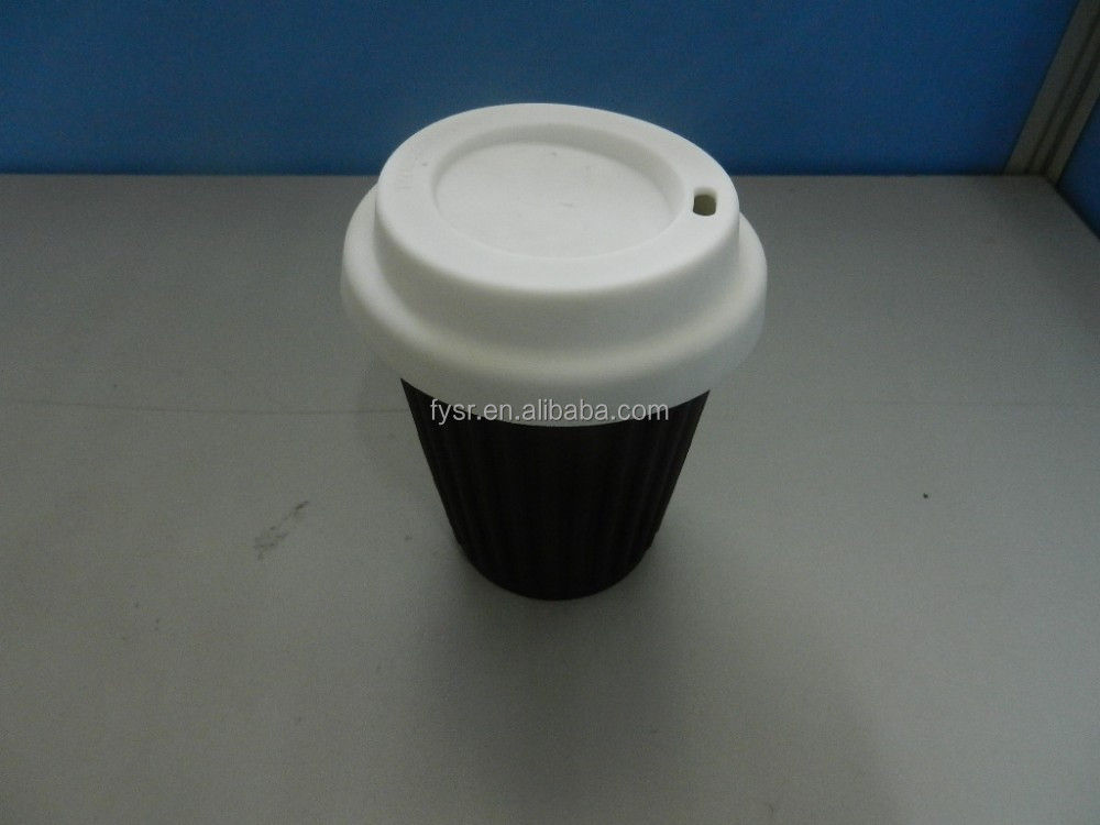 Factory 100% FDA fashion silicone coffee cup with lid