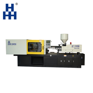 Automatic medical disposable syringe making injection molding machine