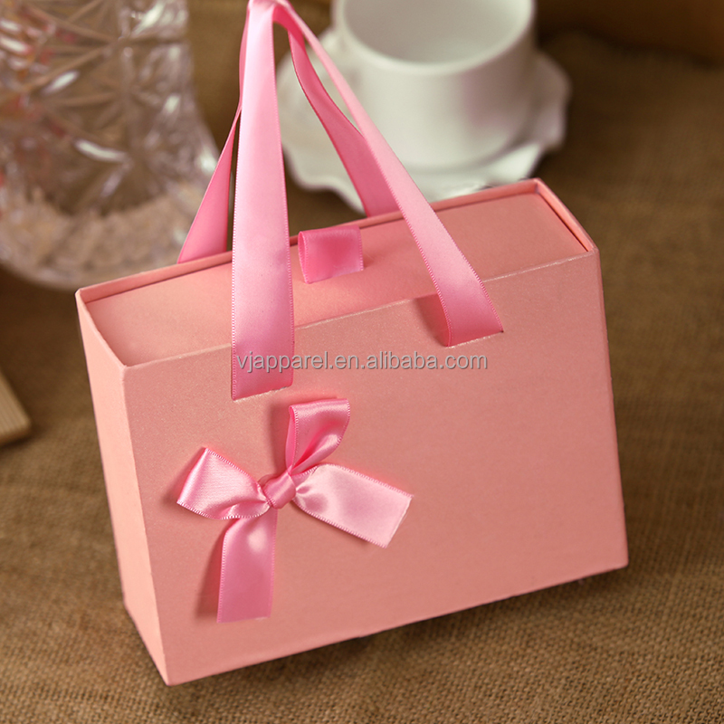 Elegant wedding paper <strong>box</strong> customized gift <strong>box</strong> with handle rope