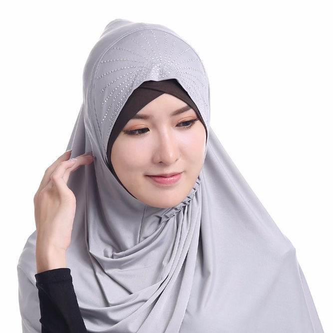 Latest design white viscose muslim hijab easy wear instant hijab with stone.