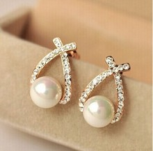 Nice shopping!! 2015 Fashion Gold Crystal Stud Earrings Brincos Perle Pendientes Bou Pearl Earrings For Woman E130